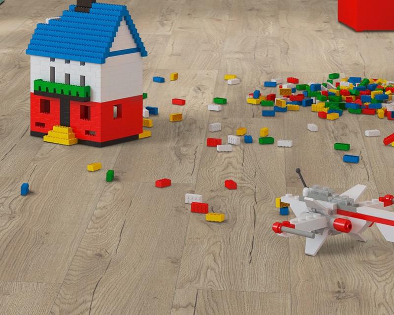 Model-Parchet-Laminat-12mm-Egger-Stejar-Olchon-Nisip-Spatiu-de-joaca-copii