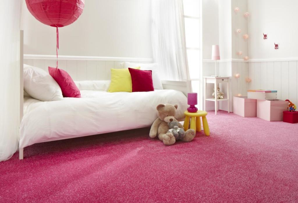 Mocheta roz camera copii